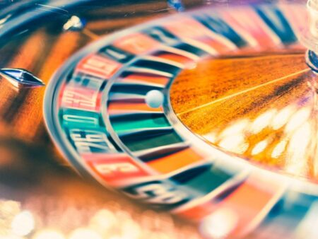 Benefits of Playing Different Online Casino Games