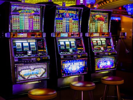 Holiday Themed Online Slot Machine Games
